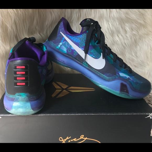 official photos 765a7 24e36 Nike Kobe X Overcome EmeraldGlow Basketball Shoes.  M_5b3ee5b9aa571969c2d82fd3
